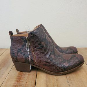 Lucky Brand Basel Leather Flat Booties size 10